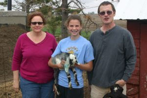 2015 IDGA Share-A-Kid winner Jocelyn Amos with donors Jayne and Phred Linn of Linn Farms